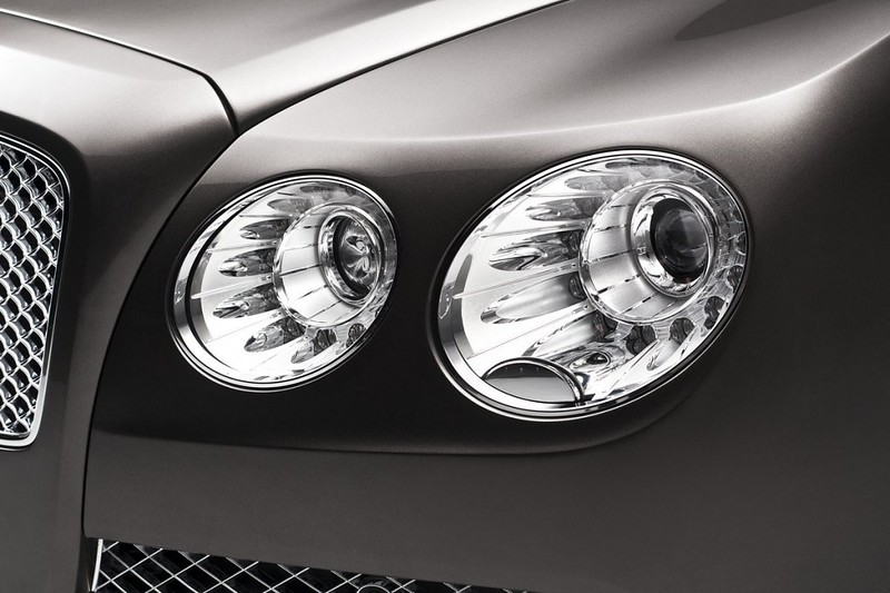 2014 Bentley Continental Flying Spur Headlight
