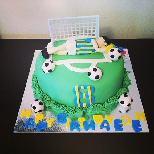 #goalkeepercake#kalecipasta#futbolpasta#fenerbahcepasta#sugarart #sugarpaste #sekerhamurlupastalar by l'atelier de ronitte