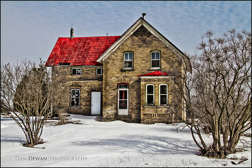 winter snow ontario colour yellow farmhouse farm ideas day57 hwy29 canoneos7d day57365 canonefs18135mmf3556is 3652013 365the2013edition dandewan 26feb13