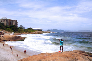 Imagine de Pedra do Arpoador. ocean brazil mountain beach water rio riodejaneiro surf waves atlantic copacabana sugarloaf baywatch ipanema zonasul
