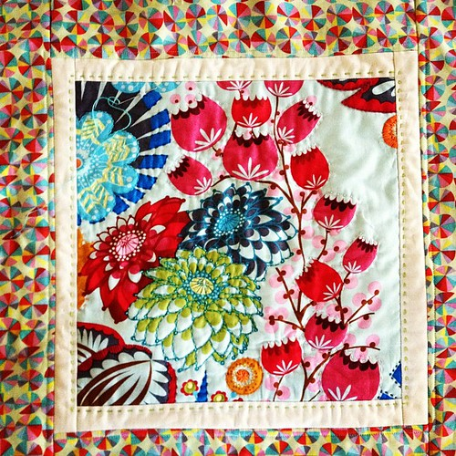 Hand quilting for a pillow from @annamariahorner Every Last Stitch class