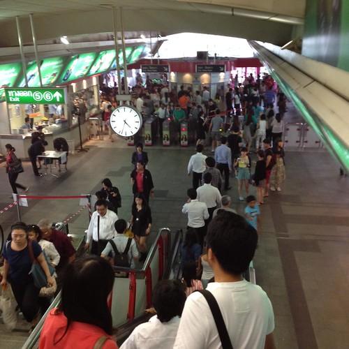BTSのSiam駅に到着 by haruhiko_iyota