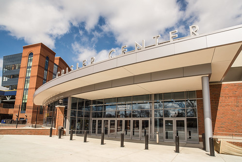 Crisler-Center-Ann-Arbor by Andypiper