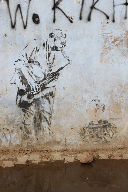 IMG_0719-graffiti-musician-snake-charmer