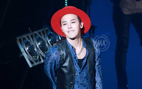 G-Dragon - Tokyo Girls Collection - 28feb2015 - Molly & Kelly's Shop - 03