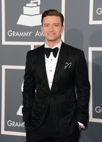 2013-grammys-red-carpet-arrivals-7