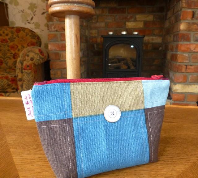 Glenda's pouch Mar13
