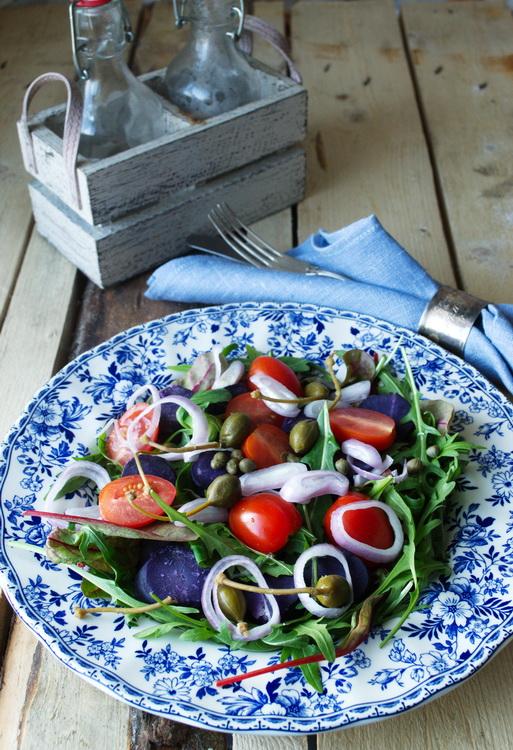 салат с фиолетовым картофелем