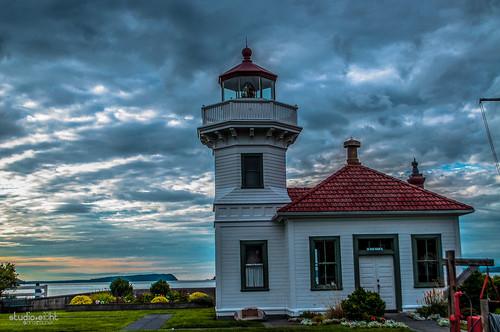 sunset lighthouse stormy wastate pnw mukilteo nikond5000 rachelsamanyi sarairachel jitabebe