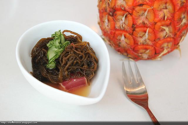 De Dietrich - Okinawan Mozuku with Tuna