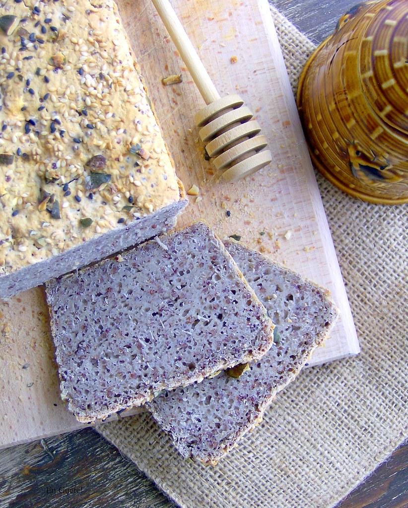 Pan de quinoa y sarraceno
