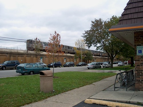 Eastbound CTA green line train alongside South Boulevard.  Oak Park Illinois.  October 2006. by Eddie from Chicago