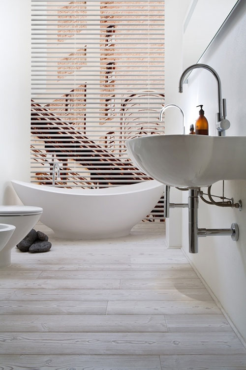 whitebath].jpg
