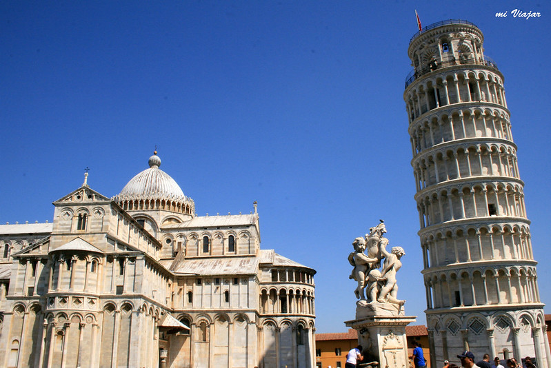 Torre inclinada de Pisa en Italia