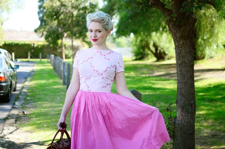 pink vintage floral b