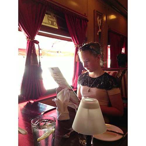 Lunch in a train car  #PicTapGo