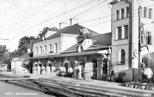 Frövi, Järnvägsstation