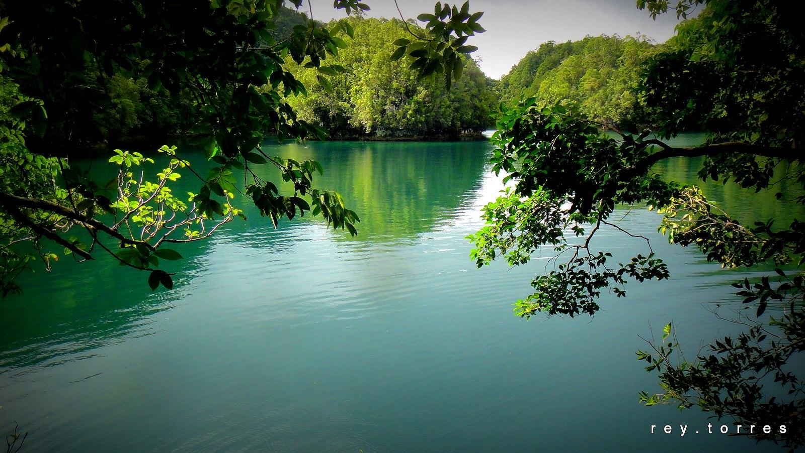 Bucas Grande Islands