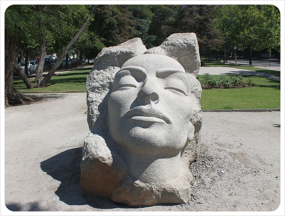 santiago sculpture head