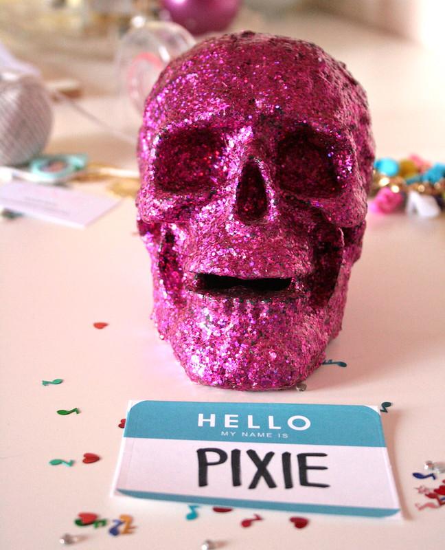 PINK GLITTER PIXIE SKULL
