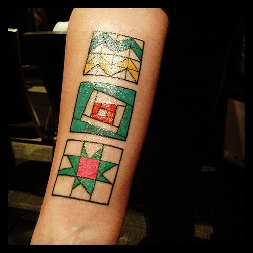Nicole Maroon's awesome quilty tattoo #quiltcon