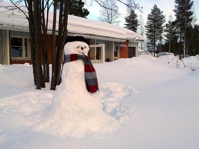 We're building a snowman - 3