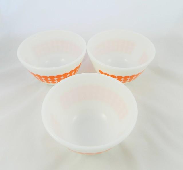 pyrex glass bowls
