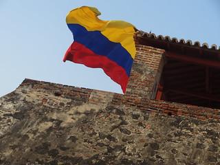 Image of Castillo San Felipe de Barajas near Cartagena. castle southamerica colombia flag bandera cartagena castillo sudamerica cartagenadeindias sothamerica castillosanfelipedebarajas