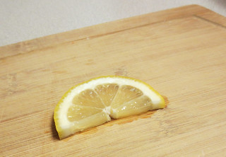 Lemon slices for kefir water