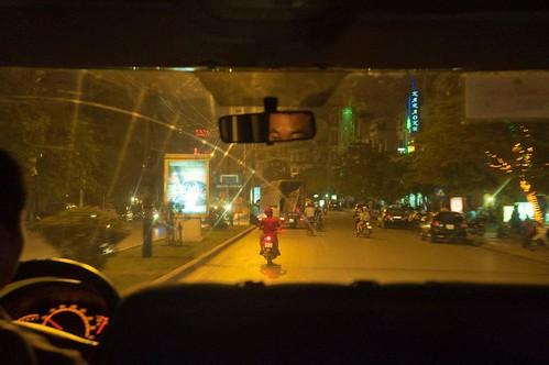 イモトのWiFiもってベトナム市内に侵食