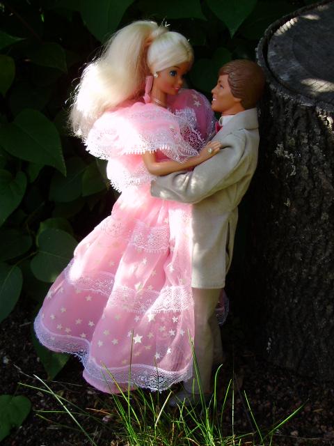Dream Glow Barbie & Ken 1985