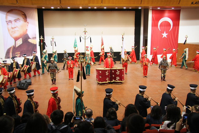 Ottoman style military march band in Istanbul Military Museum, Turkey イスタンブール軍事博物館の演奏隊