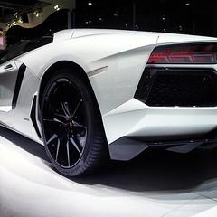 gt by citroã«n(0.0), lamborghini estoque(0.0), automobile(1.0), automotive exterior(1.0), lamborghini(1.0), lamborghini aventador(1.0), wheel(1.0), vehicle(1.0), performance car(1.0), automotive design(1.0), lamborghini reventã³n(1.0), concept car(1.0), land vehicle(1.0), luxury vehicle(1.0), sports car(1.0),