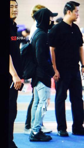 Big Bang - Incheon Airport - 07aug2015 - YB 518 - 05