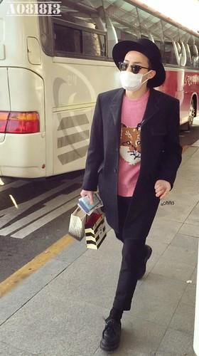 G-Dragon - Incheon Airport - 28jan2015 - a081813 - 01