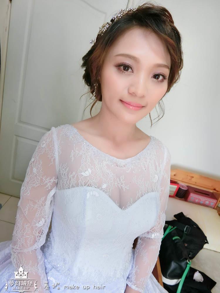 【新秘蓁妮】bride雅鈞 訂婚造型 / 台中自家