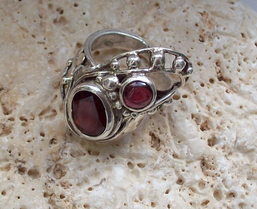 anello dancing  garnet stones (3) by marco_magro
