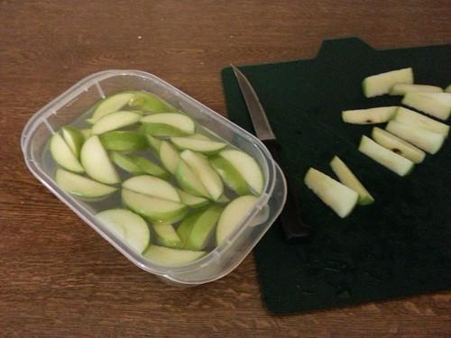 cut up apple 20130215_071708.jpg
