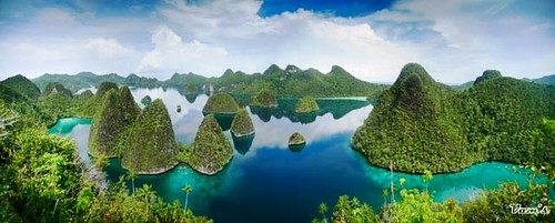 Panorama of Wayag Raja Ampat, Indonesia