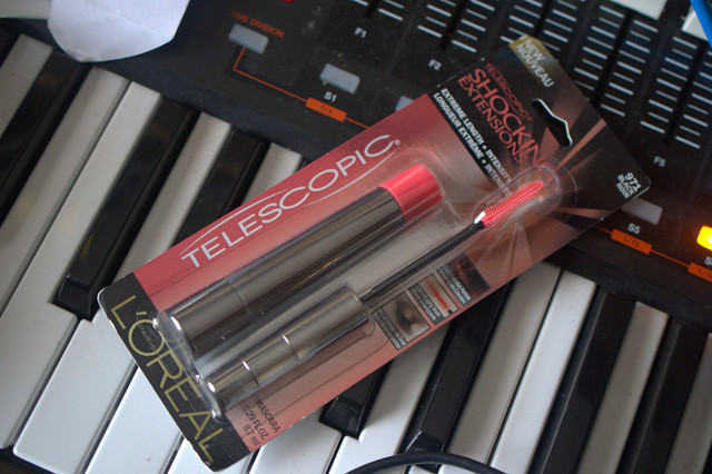 Mascara Monday: L'Oreal Telescopic Shocking Extensions mascara