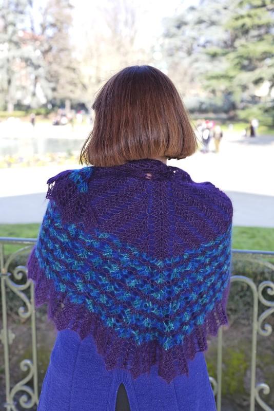 Châle crochet oiseau bleu