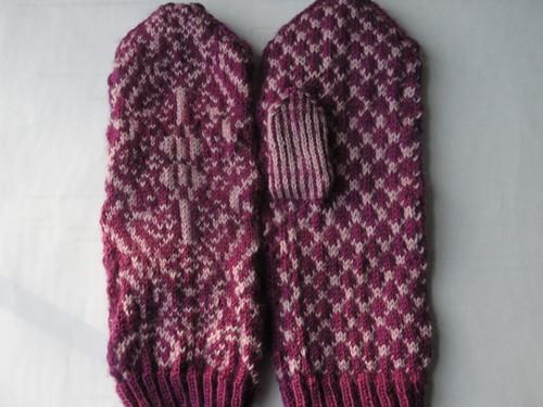 decadence mittens