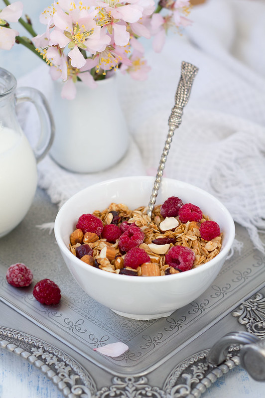 granola with frozen raspberries