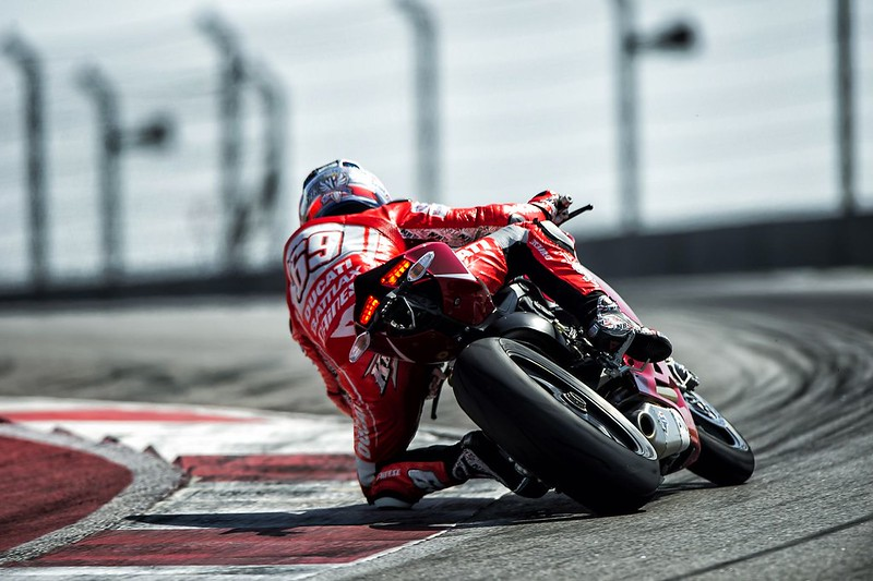 2013-ducati-1199-panigale-r-official-pictures-photo-gallery_25