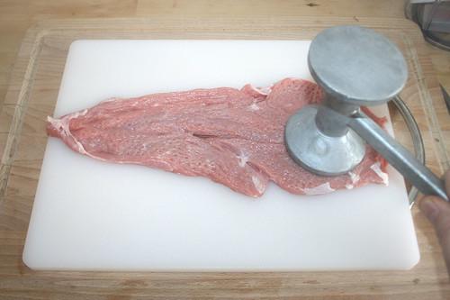 17 - Fleisch flach klopfen / Flatten veal