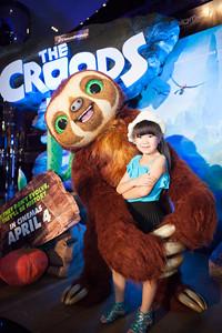ใบเฟิร์น ,  น้องเฟรย่า ควงเบลลต์ เปิดตัวภาพยนตร์การ์ตูนแอนิเมชั่น The Croods - เดอะ ครู้ดส์ พร้อมร่วมผจญภัยกันทั้งครอบครัว 4 เมษายนี้ ในโรงภายนตร์เท่านั้น
