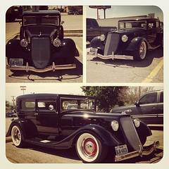 Classic cars on the South East Side! #classiccars #classic #cartastic #carlover #cars #carspotting #carinstagram #carphotography #instacar #photooftheday #picoftheday #cargramm #autos #guns #bullets #AK47 #M16 #AR15 #texas #sanantonio #texasarmoring #tags