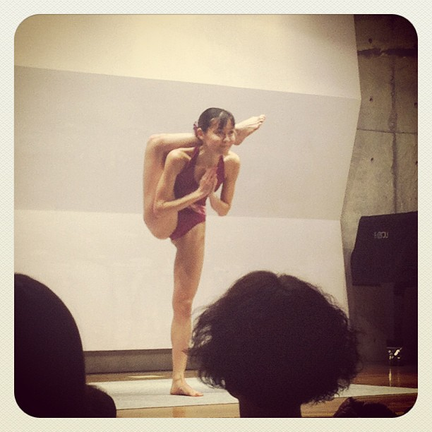 Saw world champion Yukari's performance. I've got goose bumps. So inspiring! She was so down to earth and beautiful:) #bikramyoga #tokyo #ichigonewjourney