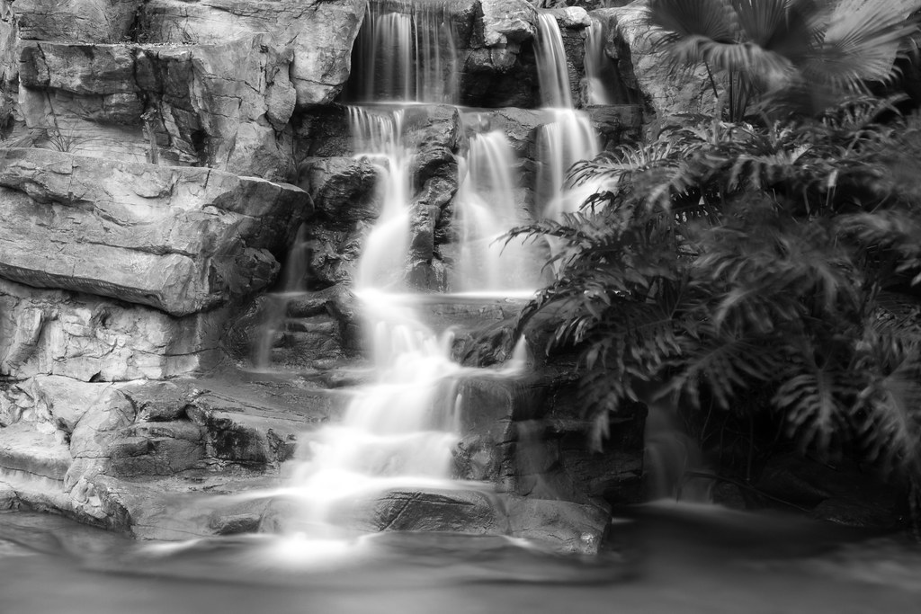 """假山流水 Water flowing amongst rockery"" / 寧 Serenity (Long exposure with ND Filter) / SML.20130410.7D.37680.BW"