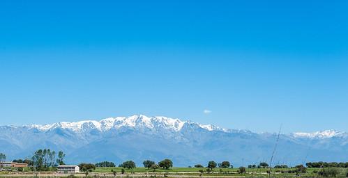 El Almanzor visto desde los campos de Rosalejo. 18 de abril de 2013.